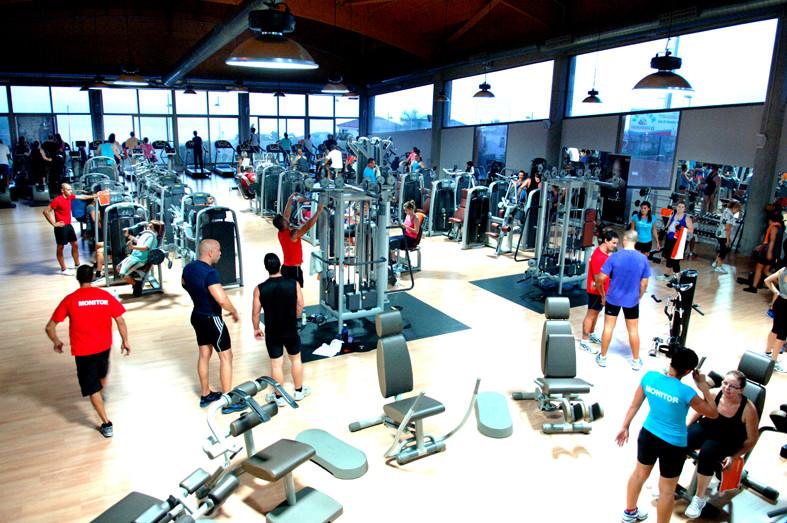 sala-fitness-llena
